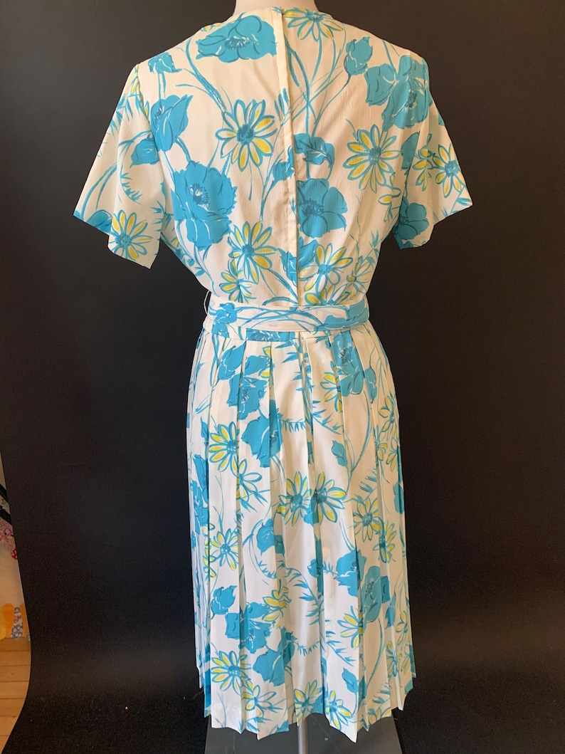 1960s 1950s Miss Endrea Blue Floral Shirtdress with Box Pleats and Belt size Medium Large