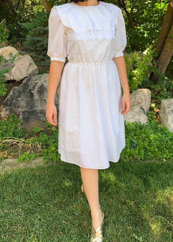 1980s Edwardian Revival White Dress with Crochet L