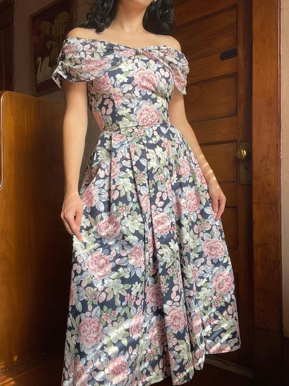 1990s Laura Ashley Off the Shoulder Floral Midi T… - image 3