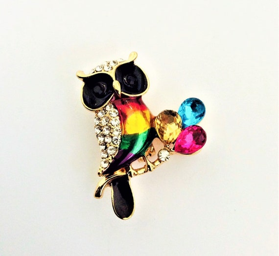 RHINESTONE ELEPHANT BROOCH Cute Luck Pin Accessory Totally Precious Adorable Animal Sparkling Rainbow /& French Jet Crystals Charming