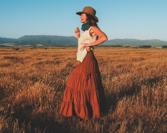 Gauze Tiered Skirt in RUST // Pockets, Natural Fiber, Flexible Waistband / Breathable Elegance!