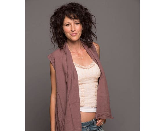 Gauze Flowy Vest in DESERT ROSE // Natural Fiber, Breathable /Wood Buttons Close It Up