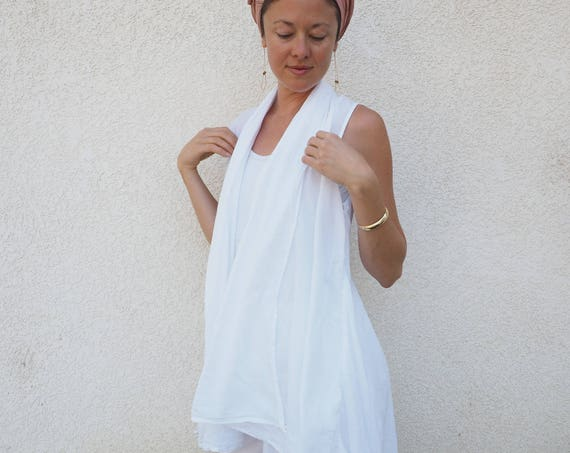 Gauze Flowy Vest in WHITE // Natural Fiber, Breathable /Wood Buttons Close It Up