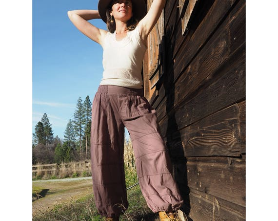 Natural Yoga Pants in DESERT ROSE // Flexible Waistband, Natural Fiber, Whole body breathes!