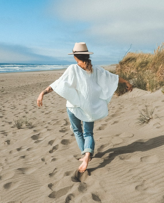 Cotton Poncho-Style Sleeved Top in WHITE // Yoga, Ceremony, Goddess / Fluffy, Breathable, Free-Moving Elegance