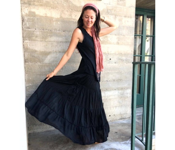 Gauze Tiered Skirt in BLACK // Pockets, Natural Fiber, Flexible Waistband / Breathable Elegance!