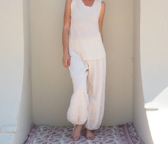 Natural Yoga Pants in CREME // Flexible Waistband, Natural Fiber Gauze // Whole body breathes!