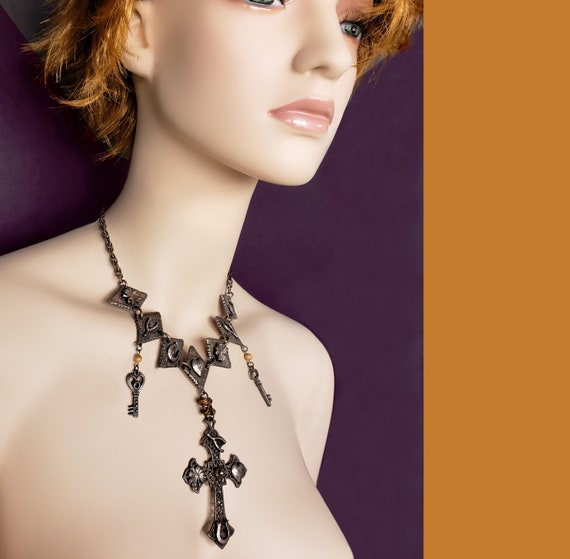 LUCKY CHARM Vintage Necklace