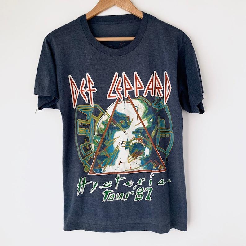 Def Leppard Rock Brigade Tour 1980 Men/'s T Shirt Metal Band Concert Tour Music
