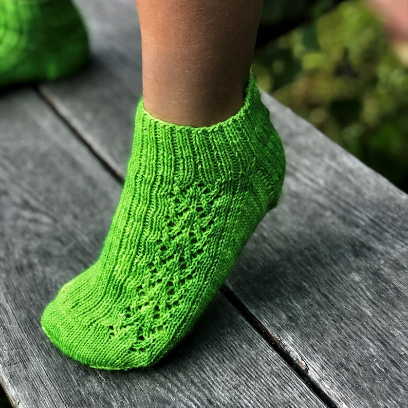 Frogstomp Socks Knitting Pattern PDF Download image 0
