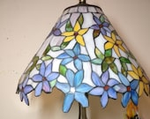 14 quot Tiffany lamp stained glass (flower yellow, blue, purple) table lamp shade only