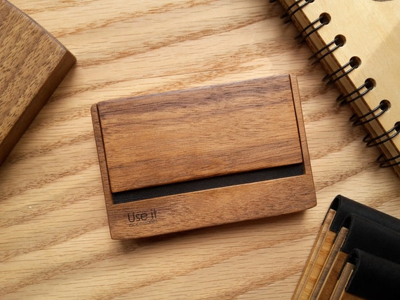 Holz Kartenhalter Visitenkartenhalter Holz Kartenhalter Holz Karten Etui Geschenk Für Boss Geschenk Für Freund Handgemachtes Geschenk