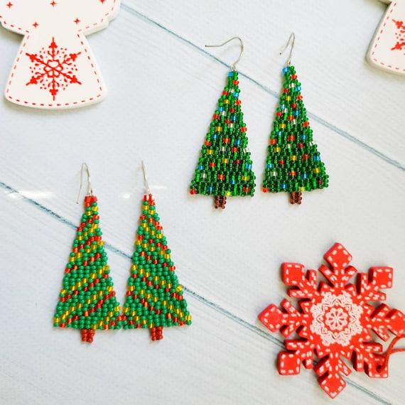 Christmas tree earrings Xmas beaded earrings Green earrings Seed bead earrings Boho earrings