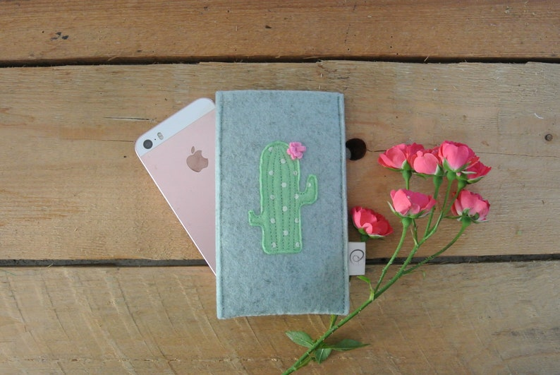 Cellphone case-cactus-the prickly case for your smartphone