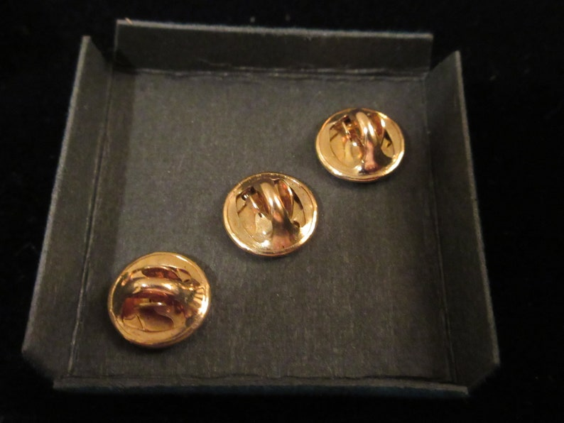 Centro Assistenza Majestic.Majestic Set Of Three Vintage Gold Tone Eagles In Flight Lapel Hat Pins In Mint Condition And Original Box By Swarovski Optik