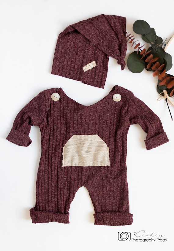 c9b946c3076 Christmas propsSitter and baby romper with matching sleeping
