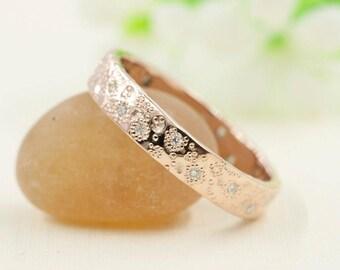Rose Gold Wedding Band.Diamond Wedding Band.Dots Hammered Wedding Band.14k Rose Gold Wedding Ring.Star Dust Ring.Diamond Band.Rose Gold Band