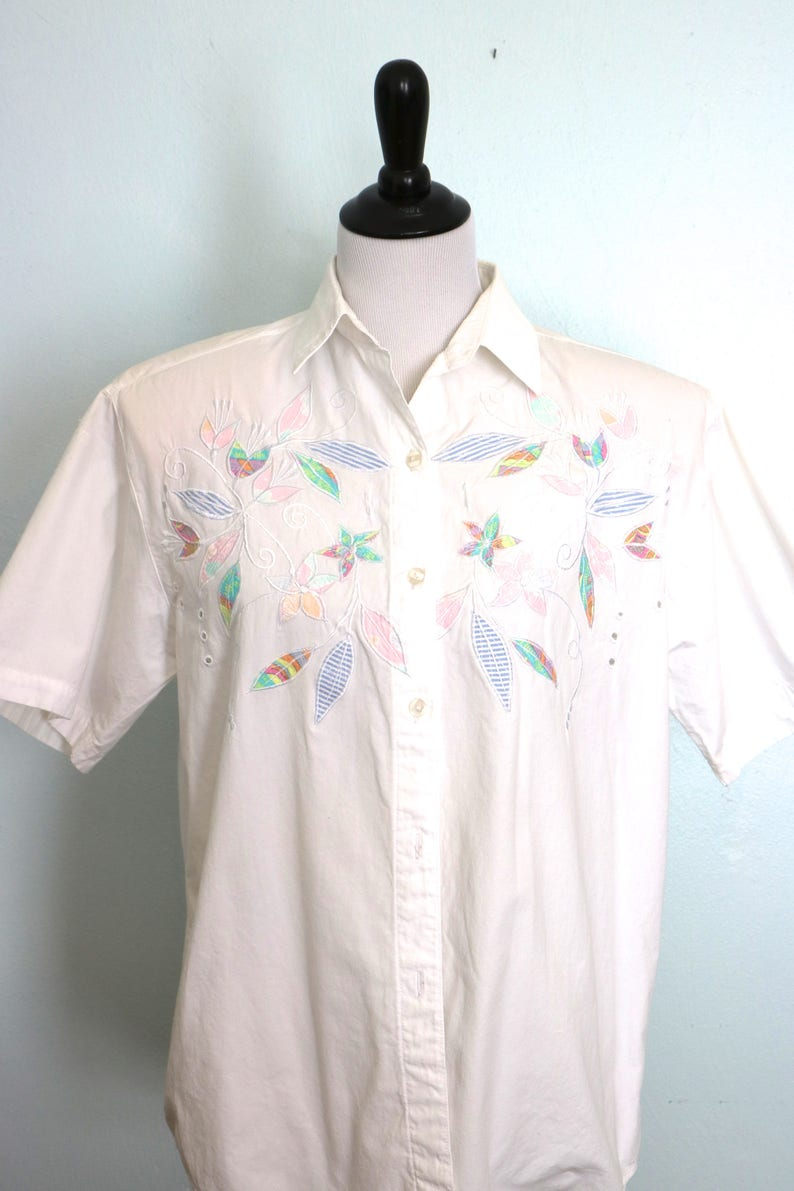 57b18821a Vintage Ladies White Cotton Blouse Short Sleeves Button Down