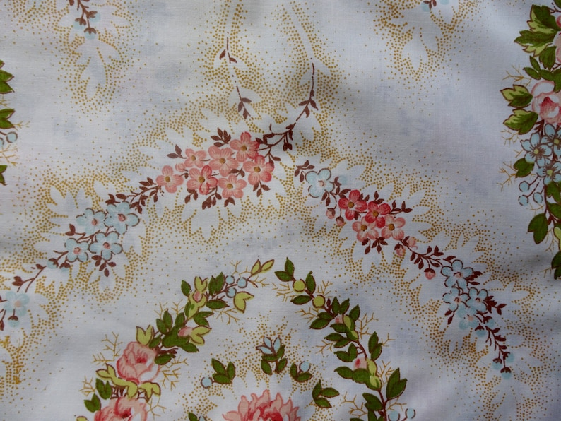 Vintage Floral Top Sheet And Two Pillowcases Vintage Bedding Vintage Textiles
