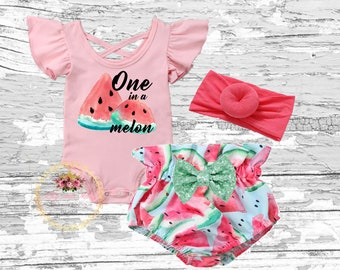 04cb9a441 1st Birthday Watermelon Outfit, One in a melon birthday girl set, Watermelon  bloomer, Watermelon smash cake outfit, round knot headband