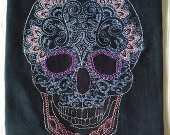 Sotis LoveSkull Embroideryfile framsize  18x30