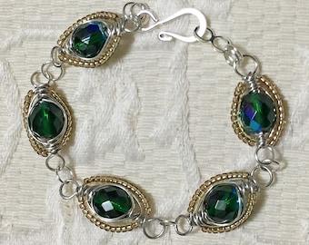 Emerald Herringbone Bracelet / Wire Bracelet / Women's Fashion / Jewelry / Green Bracelet / Seed Beads / Handmade Jewelry / Link Bracelet