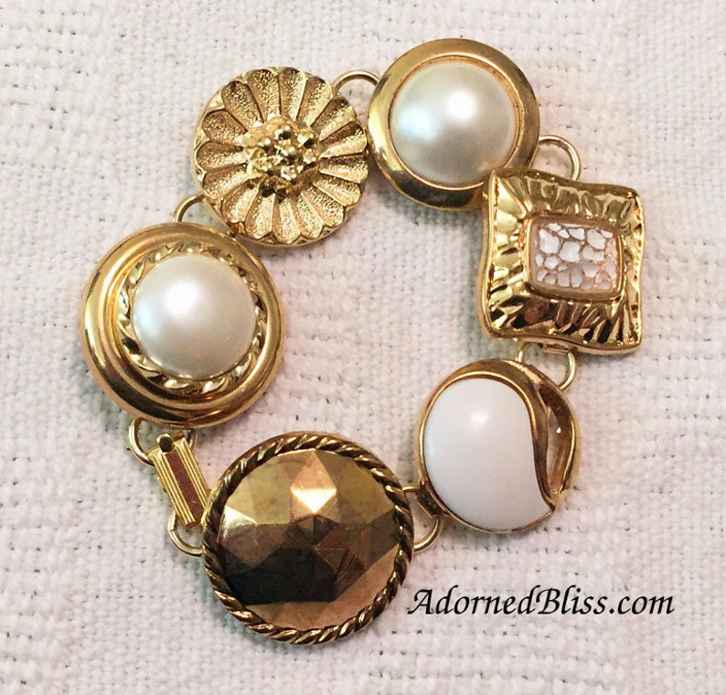 White Vintage Button Bracelet / White and Gold / Jewelry / image 0