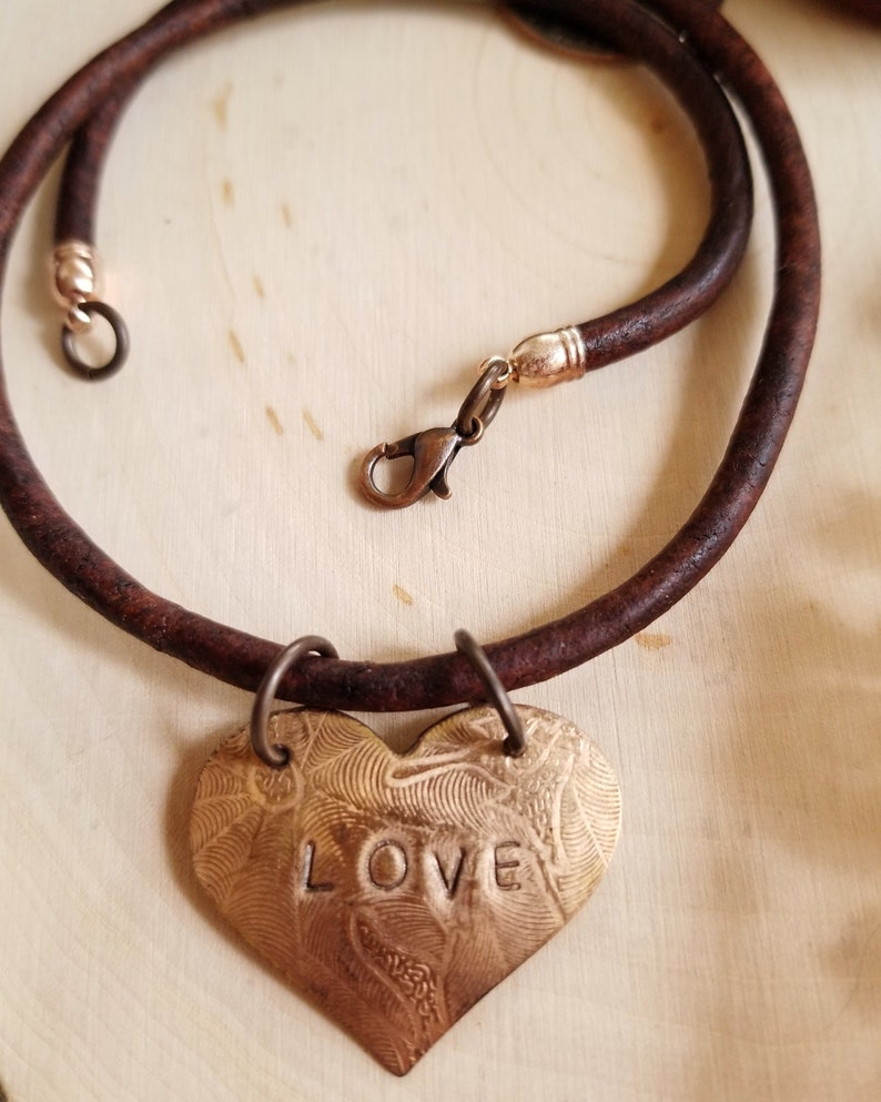 Inspirational Choker with Choice of Affirmations Heart Shaped image 0