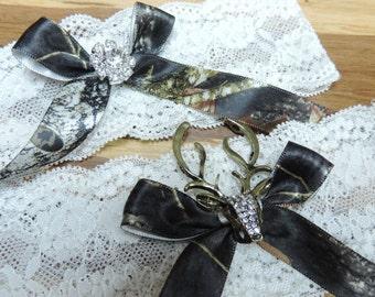 Mossy oak deer garter set,  Mossy oak wedding garters,  Garters