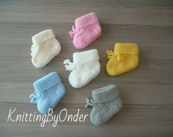 bae0020d9e51 Hand knit booties