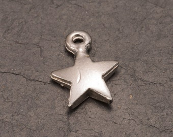 star charm, silver plated star, small charms, jewellery making, charm bracelet, charm jewelry, diy jewellery, pack of 5, craft supplies