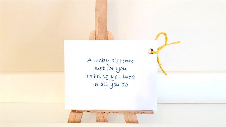 Marié à être Lucky Sixpence Pièce Mariage Chapeau Haut Noeud Papillon Pic Bonne Chance Sac Cadeau