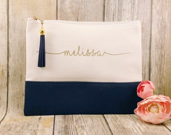 ec968870c9cf36 Personalized navy and white cosmetic bag