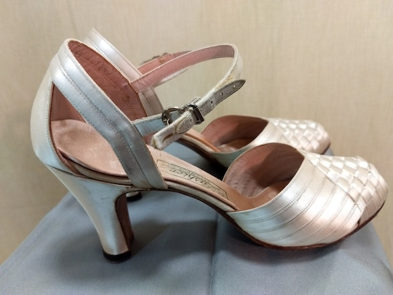 Gorgeous satin 1940's shoes, wedding shoes