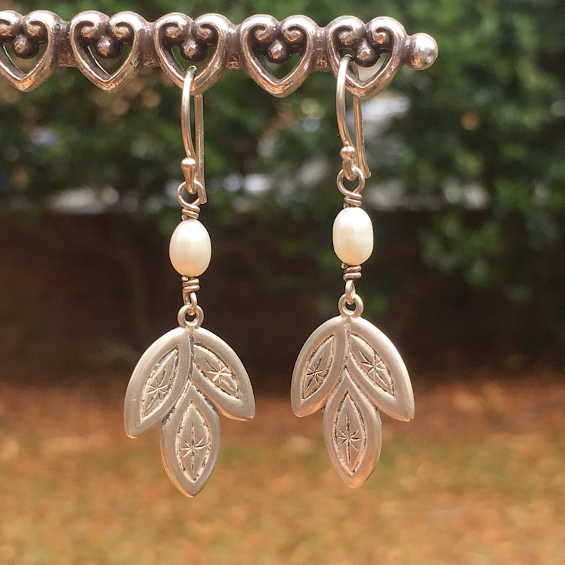 842c8e3c5 Silpada Designs Pearl w Leaf earrings w2170 vintage | Etsy