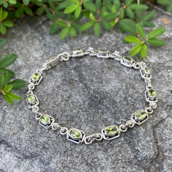 Retired B2295 Vintage 7.5 length Tennis Bracelet Time to Shine Cubic Zirconian Bracelet with Lobster Clasp By Silpada Designs