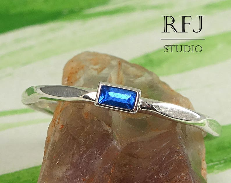 Rectangle Blue Sapphire Faceted September Silver Ring image 0