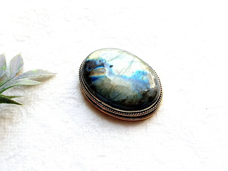 Stone with brass frame Labradorite with groove GS177.7 Grooved Labradorite stone Stone with brass groove for macrame Brass Groove Stone