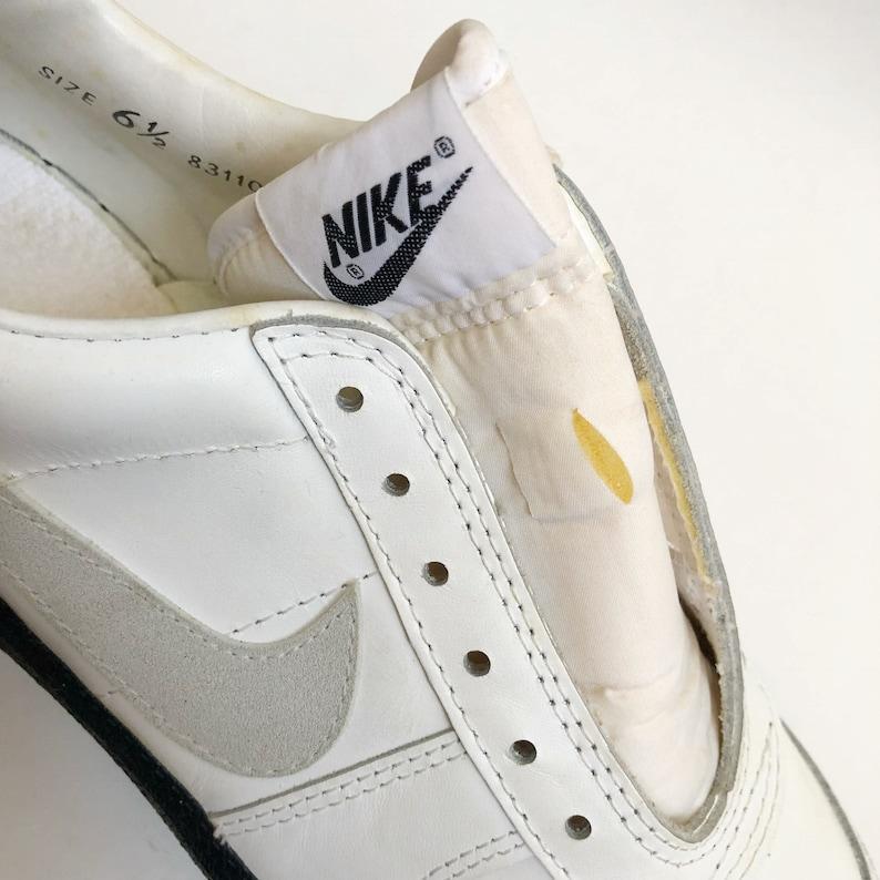 44d4c18190060 vintage nike shark football cleats shoes big kids size 6.5 deadstock NIB  1983