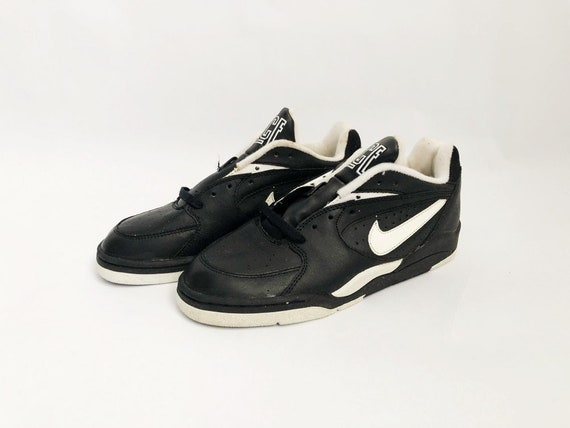 vintage nike court force low basketball sneakers shoes big kids size 5.5 deadstock NIB 1991