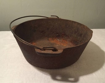 Cast Iron Kettle with Baled Handle and Pouring Spout - Witches Cauldron
