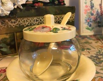 Vintage pretty condiment pot
