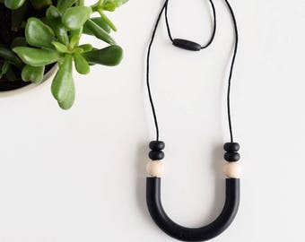 Luna Necklace // Teething // Teething Necklace // Nursing Necklace // Silicone Beads // Food Grade Silicone // Modern Jewellery // Chewelry