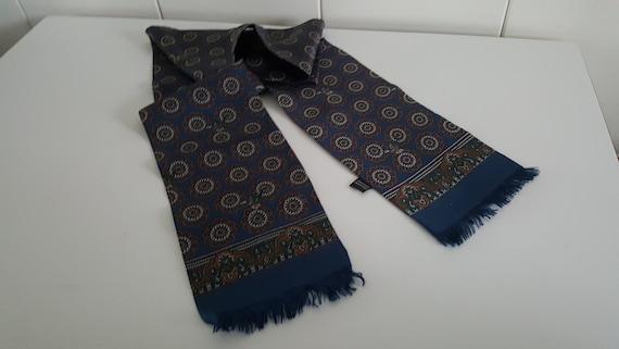Pure silk men's scarf blue marked 100% silk seide