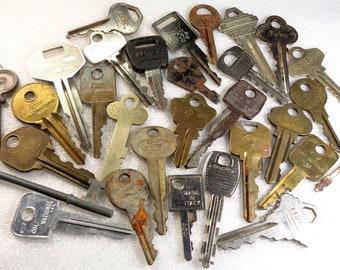 33d4eb4604f5 30 Vintage Keys Padlock Keys Room Keys Skeleton Key Door Keys Car Keys Old  Keys Mixed Key Lot