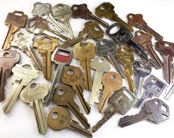 7df87587afae 30 Vintage Keys Padlock Keys Room Keys Door Keys Car Keys Old Keys Mixed  Key Lot