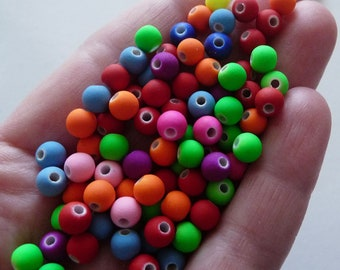 500 Neon coloured beads acrylic rubber B103