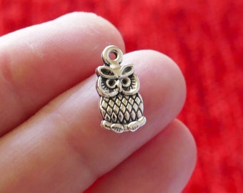 1968C-T-304 Spacer Owl 18.4x12.6mm 4 Pieces Antique Brass Base Metal Charm