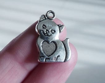 6 Cat charms antique silver tone A229