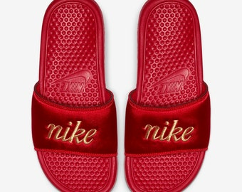 red nike sandals womens